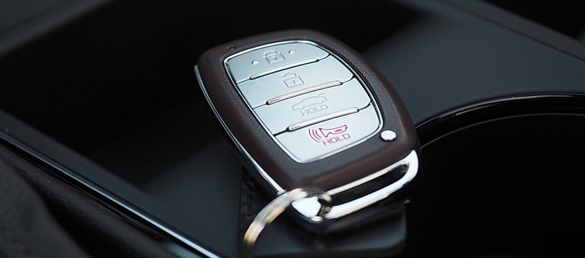 Выкидной ключ Hyundai: как и зачем изготавливать дубликаты